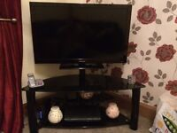40in Samsung TV with stand
