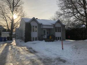 Maison bachelor- Blainville