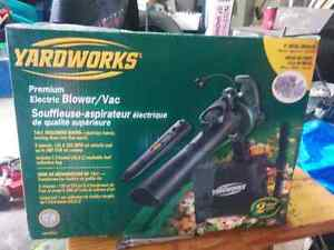 Electric leaf blower brand new in box