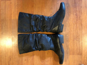 Woman's leather boots size 36
