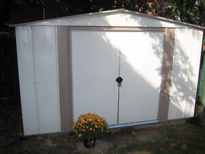 8' x 10' metal garden shed with custom floor, great condition