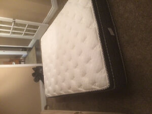 Queen Pillow top matress only 1 yr old $100