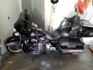 Electra Glide Ultra Classic - FLH Mint Condition