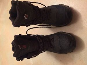 Columbia winter boots NEARLY NEW
