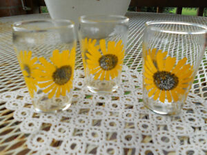 Vintage Sunflower Glasses Windsor Region Ontario image 1