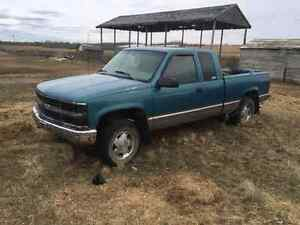 1998 Chevy Silverado fix up or part truck