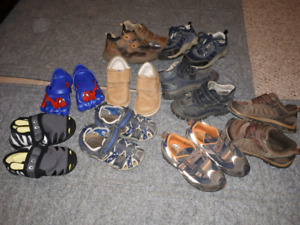 Boys size 9 toddler shoes, sandals