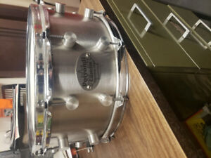 Stainless steel snare drum