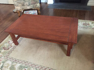 Pair of shaker style occasional tables