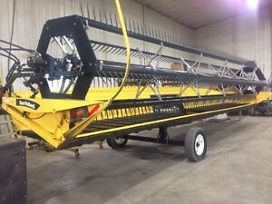 30' straight cut Header off CNH CR