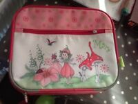 Little girls small hand travel case, great condition