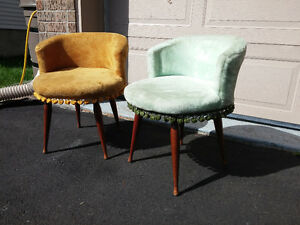 lovely set of two vanity vintage chairs