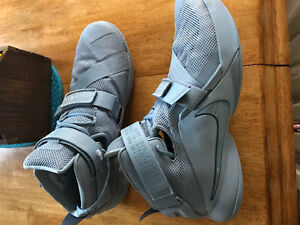 Selling or trading lebron soldier 9 grey size 13