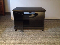TV stand, with glass magnetic doors