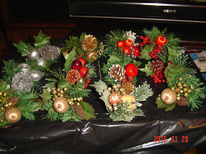 SELECTIONS OF CHRISTMAS PINE CONE PIC ACCENTS FOR DECORATING Windsor Region Ontario image 8