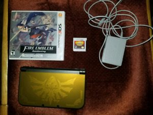 Zelda New 3Ds  w/ 2 games, plug, and 32 gb micro sd