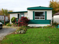 Well maintained mobile home~ 10 minutes to 401