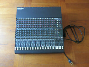 Mackie CR1604-VLZ 16-Channel Mic/Line Mixer