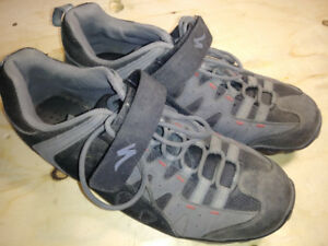 Specialized men's cycling shoes, size 10.5