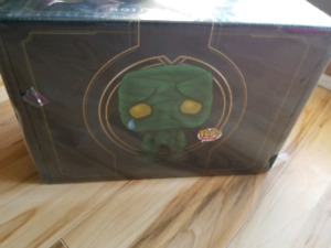 Limited Edition League of Legends Collectors Box