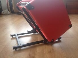 Amp angle stand side kipper (for Marshall or Fender 1x12 or 2x10)