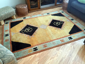 """5 '5 1/2 """" x 7' 10"""" hand knotted 100% wool rug"""