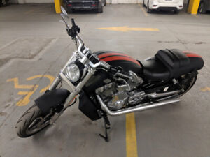 2014 Harley Davidson VRod Muscle Special Edition ONLY 3500 KMs!