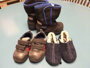 Boys size 5 shoe/boot/slipper