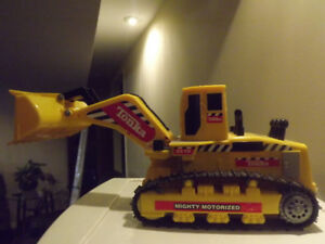 Tonka Mighty Motorized Bulldozer