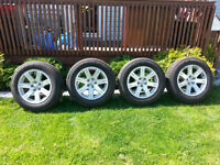 like new chrysler 300 rims P215/65R17