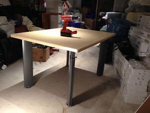 Solid, modern office desk Oakville / Halton Region Toronto (GTA) image 2