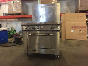 BRAND NEW Commercial Gas Range and Wall Mount Exhaust Canopy