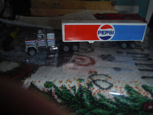 Herpa/Promotex GMC General truck with 48' Pepsi trailer 1:87 H0