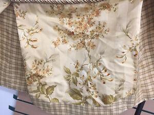 4 Rideaux beige fleurit Lac-Saint-Jean Saguenay-Lac-Saint-Jean image 4
