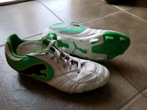 Youth Puma soccer cleats