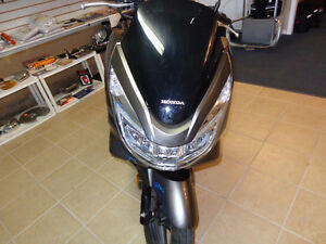 2015 150cc gas scooter 800 kms.     recycledgear.ca