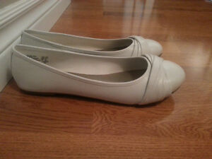 Size 10W American Eagle White Flats *NEVER BEEN WORN*""