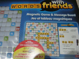 NEW WORDS WITH FRIENDS MAGNETIC GAME & MESSAGE BOARD GAMES 13+