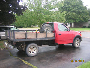 2003 Ford F-150 xl Pickup Truck 4X4