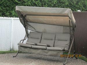 Balancelle meubles terrasse jardin dans qu bec for Kijiji montreal meuble de jardin