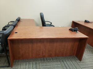 Great quality office desks available for sale!!!