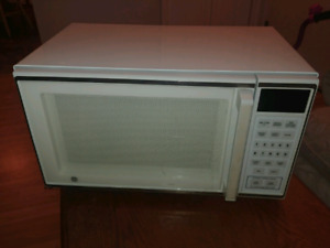 Microwave oven in perfect condition