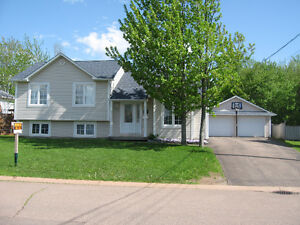 Updated home, off Centrale Dieppe-4 beds, 2 baths, large garage