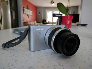 Nikon J1 compact DSLR camera, like new!!