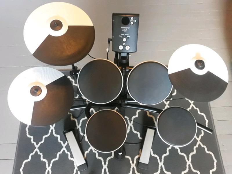 Roland TD-1K V-Drums Electronic Drum Kit with Gibraltar