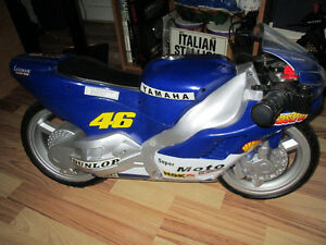 COLLECTION OF DIE CAST MOTOR CYCLES-ALL NEW