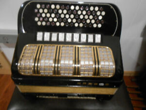 Hohner Maestro Button accordion