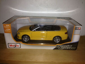 Maisto-Special Audi RS4 Cabriolet Car Model - Yellow 1:18