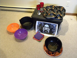 Halloween serving trays/chip bowls ensemble