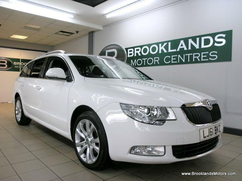 Skoda Superb 2.0 TDI CR SE 140PS [4X SERVICES, LEATHER and DAB RADIO]